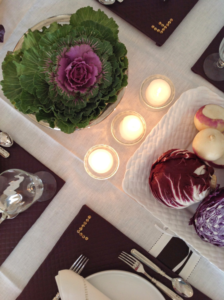 """""""Purple Abundance"""" Thanksgiving Tablescape With No-Sew DIY Placemats"""